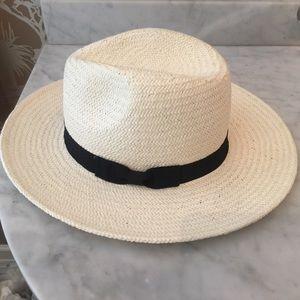 Brand new medium Zara straw hat